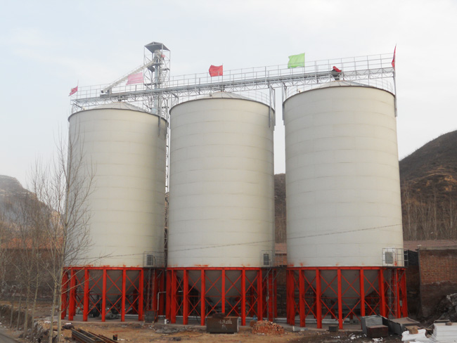 Feed silo for chicken feed storage in South Africa
